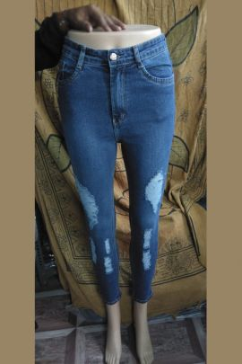 A Bunch Of Denim Stylish Slim Fit Womans Jeans Set