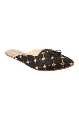 A Set Of Black PVC Ladies Jaipuri Slipper Bunch