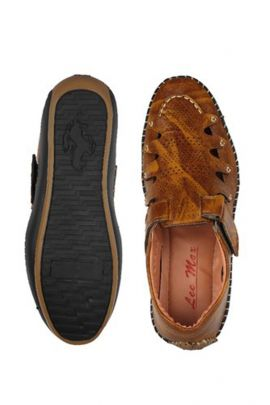 A Bunch Of Dark Brown Mens Leather Sandals Set