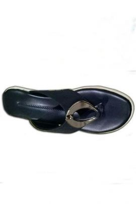 A Set Of Black Leather PU Ladies Slippers Bunch